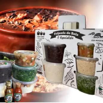 Comprar o produto de Feijoada Família Light (3 a 4 Pessoas) em Alimentos pela empresa Feijoada do Bola - Delivery em Jundiaí, SP por Solutudo