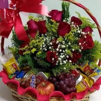 Comprar produto cestas de cafe da manha em Floriculturas pela empresa Floricultura Toques do Coração a Floricultura do Bairro em Botucatu, SP