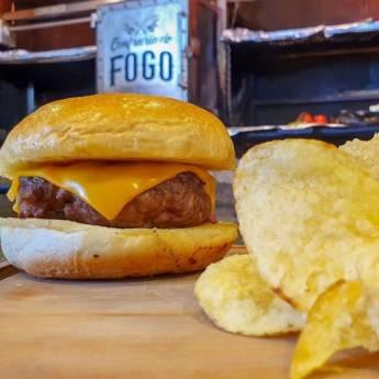 Comprar o produto de Cheeseburger em Hamburguerias em Botucatu, SP por Solutudo