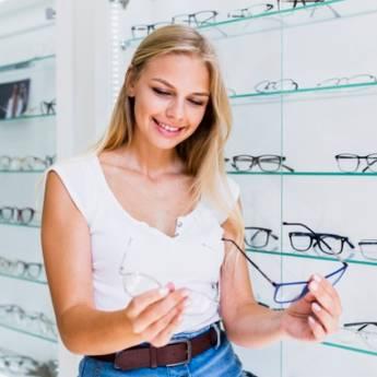 Comprar o produto de Óculos Completo: Armação + Lente por 10 de 14,90 em Ótica em Botucatu, SP por Solutudo