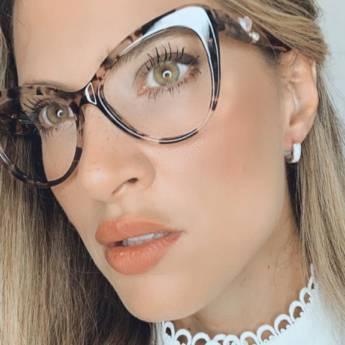 Comprar o produto de Óculos de Grau em Ótica pela empresa Gold & Silver em Botucatu, SP por Solutudo