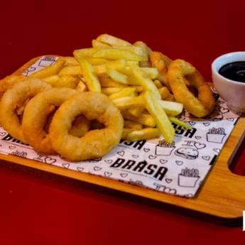 Comprar o produto de Porção de Fritas com Anéis de Cebola em Porções em Botucatu, SP por Solutudo