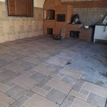 Comprar o produto de Assentamento de piso em Construção em Botucatu, SP por Solutudo