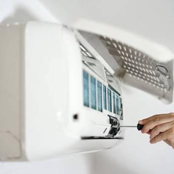 Comprar o produto de Conserto de Ar Condicionado em Assistência Técnica para Eletrônicos - Eletrodomésticos em Foz do Iguaçu, PR por Solutudo