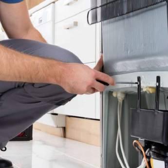 Comprar o produto de Conserto de Geladeiras em Assistência Técnica para Eletrônicos - Eletrodomésticos em Foz do Iguaçu, PR por Solutudo