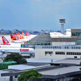 Comprar o produto de Translado para Aeroporto de Congonhas em Motoristas Particulares - Transportes Executivos em Jundiaí, SP por Solutudo