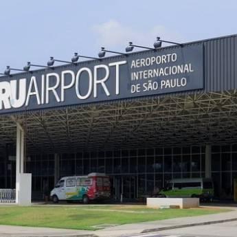 Comprar o produto de Translado para Aeroporto de Guarulhos (Cumbica) em Motoristas Particulares - Transportes Executivos em Jundiaí, SP por Solutudo