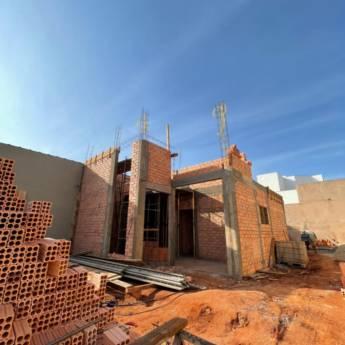 Comprar o produto de Construtora - Construções de Casas e Empresas em Ofertas: Casa e Construção em Botucatu, SP por Solutudo