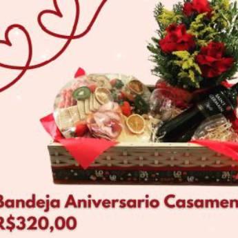 Comprar o produto de Bandeja Aniversário Casamento em Cesta de Café da Manhã em Foz do Iguaçu, PR por Solutudo