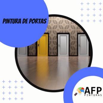 Comprar o produto de PINTURA DE PORTAS em Construção em Botucatu, SP por Solutudo
