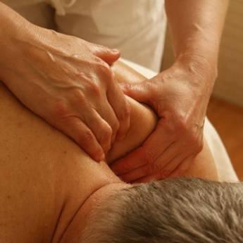 Comprar o produto de Massagem Esportiva para recuperar a musculatura após seu treino físico em Massoterapeutas em Americana, SP por Solutudo