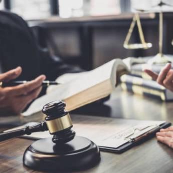 Comprar o produto de Orientações ético-legais em Direito Médico pela empresa Fabiana Duarte Advocacia  em Atibaia, SP por Solutudo