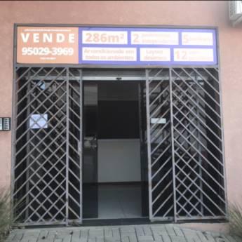 Comprar o produto de SALAS COMERCIAIS A VENDA em Imobiliárias - Corretores de Imóveis em Atibaia, SP por Solutudo