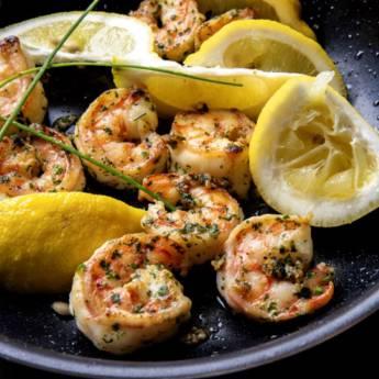 Comprar o produto de CAMARÃO À PROVENÇAL (serve 2) em  Peixes & Crustaceos pela empresa Restaurante Quintal do Gui em Atibaia, SP por Solutudo