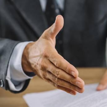 Comprar o produto de Advogado em Botucatu em Advocacia em Botucatu, SP por Solutudo
