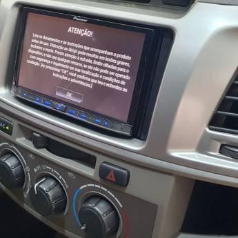 Comprar o produto de TOYOTA HILUX SW4 2.7 16V 4P SR AUTOMÁTICO - 2013/2013 em Carros em Botucatu, SP por Solutudo