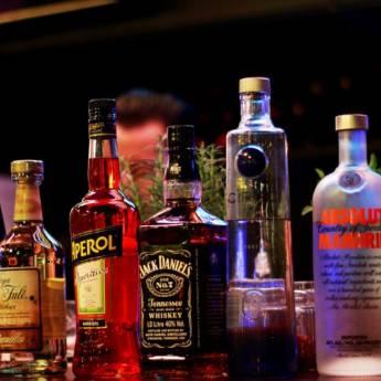 Comprar o produto de Destilados em Bebidas em Atibaia, SP por Solutudo