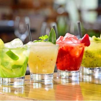 Comprar o produto de Steinhaeger de frutas  em Drinks em Atibaia, SP por Solutudo