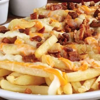 Comprar o produto de Porção de Batata Frita com Provolone e Bacon  em Porções em Atibaia, SP por Solutudo