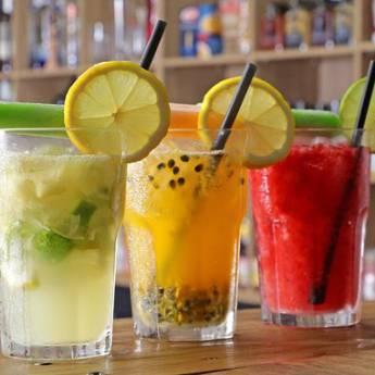 Comprar o produto de Caipirinhas em Bebidas pela empresa Cantinho da Val em Atibaia, SP por Solutudo