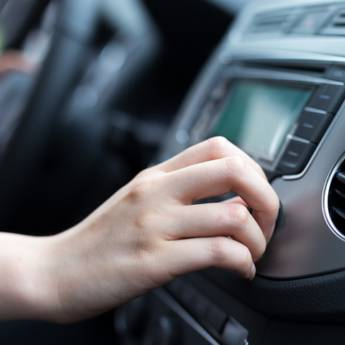 Comprar o produto de Eletrônicos e Tecnologia em Automotivo em Atibaia, SP por Solutudo
