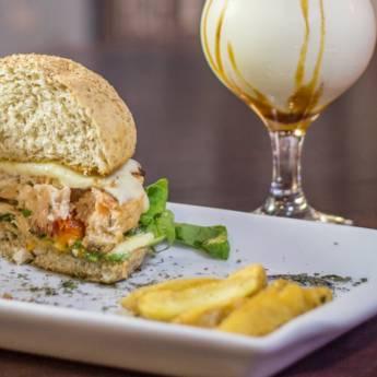 Comprar o produto de Lanche • Hawaii em Lanches pela empresa Old Home Burger Gourmet  em Atibaia, SP por Solutudo