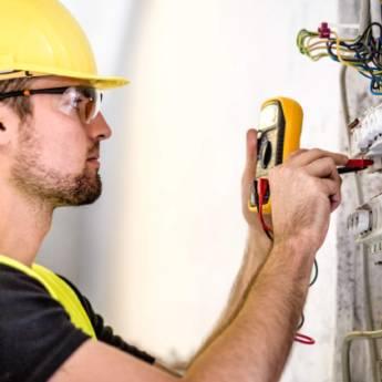 Comprar o produto de Manutenção de Instalações Elétricas Comerciais  em Instalação Elétrica em Atibaia, SP por Solutudo