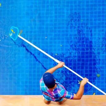 Comprar o produto de Limpeza de Piscina em Casa, Móveis e Decoração pela empresa HG Clean - Jardim e Piscina em Atibaia, SP por Solutudo