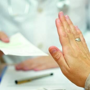 Comprar o produto de Recusa do tratamento médico em Direito Médico pela empresa Fabiana Duarte Advocacia  em Atibaia, SP por Solutudo