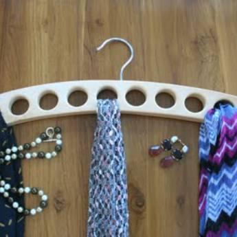 Comprar o produto de Cabide de lenço em Guarda Roupas pela empresa Loja Ego - Moda Feminina Multimarcas em Botucatu, SP por Solutudo