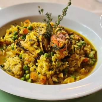 Comprar o produto de ARROZ CALDOSO DE MARISCO em Arrozes pela empresa Restaurante Quintal do Gui em Atibaia, SP por Solutudo