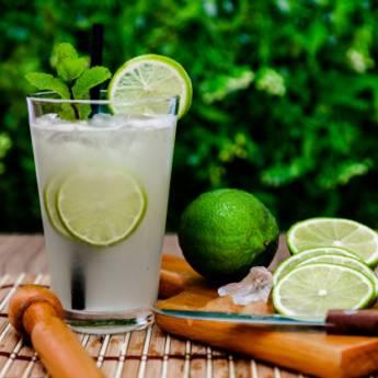 Comprar o produto de Caipirinha Pinga Alambique em Drinks em Atibaia, SP por Solutudo