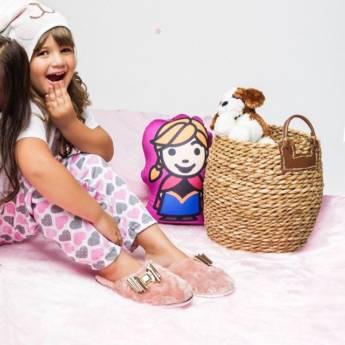 Comprar o produto de Pantufas Infantis Femininas  em Moda Infantil pela empresa Lojas Conceito Confecções e Calçados - Vestindo e Calçando Toda a Família em Atibaia, SP por Solutudo