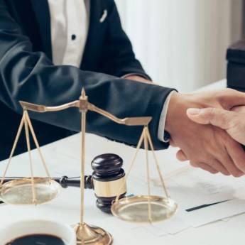 Comprar o produto de Defesa nas sindicâncias e processos éticos em Direito Médico pela empresa Fabiana Duarte Advocacia  em Atibaia, SP por Solutudo