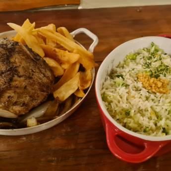 Comprar o produto de CUPIM BOLINHA & ARROZ DE BRÓCOLIS em Carnes & Aves pela empresa Restaurante Quintal do Gui em Atibaia, SP por Solutudo