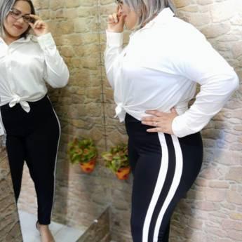Comprar o produto de Para quem ama conforto, calça tecido Ponto Roma, vai querer cores  em Moda Plus Size em Botucatu, SP por Solutudo