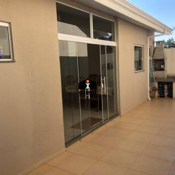 Comprar o produto de Casa no Bairro Alto em Venda - Casas em Botucatu, SP por Solutudo