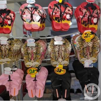Comprar o produto de RUA- D  LOJA 10  PÉ CHEIROSO - Várias Cores & Tamanhos  em Sapatos pela empresa Mega Lojão do Brás em Jundiaí, SP por Solutudo