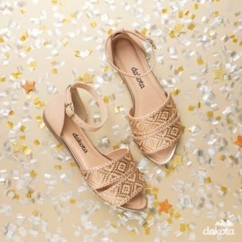 Comprar o produto de Sandálias Dakota em Calçados pela empresa Lojas Conceito Confecções e Calçados - Vestindo e Calçando Toda a Família em Atibaia, SP por Solutudo