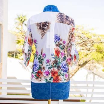 Comprar o produto de Camisa musseline floral Lara Lis em Roupas e Acessórios pela empresa Loja Ego - Moda Feminina Multimarcas em Botucatu, SP por Solutudo