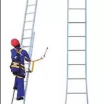 Comprar o produto de Escadas Extensivas  em Outros em Botucatu, SP por Solutudo