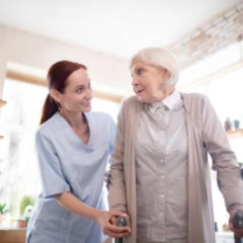 Comprar o produto de Acompanhamento em período de férias  em Enfermeiros e Cuidadores em Jundiaí, SP por Solutudo