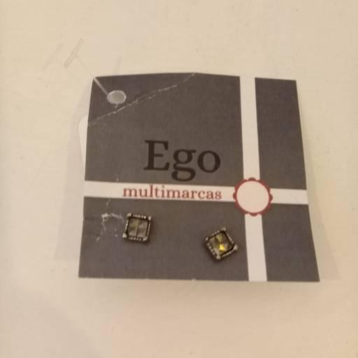 Comprar o produto de Brinco semi joia em Semi Joias pela empresa Loja Ego - Moda Feminina Multimarcas em Botucatu, SP por Solutudo