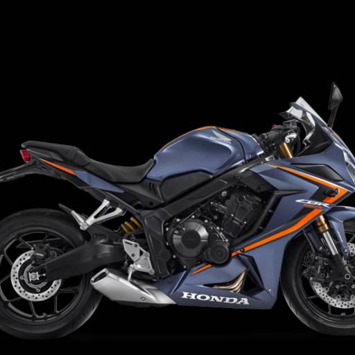 Comprar o produto de CBR 650R  em Honda pela empresa Freire Motos em Botucatu, SP por Solutudo