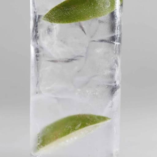 Comprar o produto de Drink • Gim Tonica em Drinks pela empresa Old Home Burger Gourmet  em Atibaia, SP por Solutudo