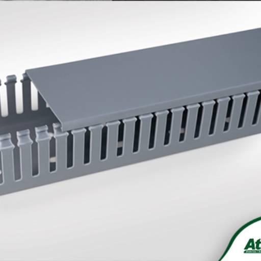 Comprar o produto de Canaletas Semi Abertas  em Caixas e Quadros pela empresa Atilux Materiais Elétricos e Iluminação em Atibaia, SP por Solutudo