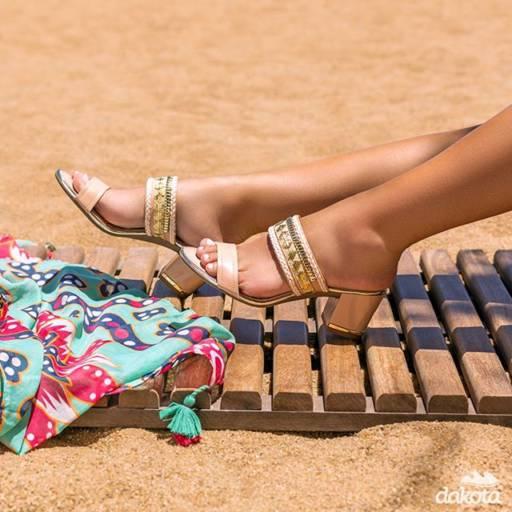 Comprar o produto de SANDÁLIA em Feminino pela empresa Lojas Conceito Calçados e Acessórios - Vestindo e Calçando Toda a Família em Atibaia, SP por Solutudo