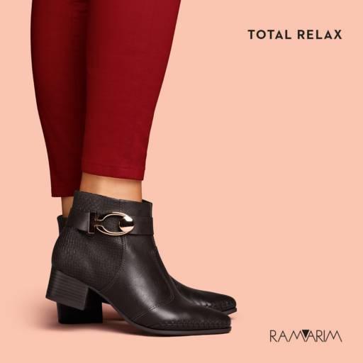 Botas Femininas por Lojas Conceito Confecções e Calçados - Vestindo e Calçando Toda a Família