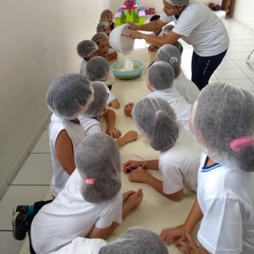 Comprar o produto de Aula de Culinaria em Aulas Curriculares pela empresa Colégio Arca Bilíngue em Atibaia, SP por Solutudo
