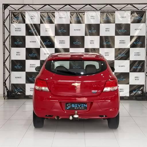 CHEVROLET ONIX – 1.0 MPFI LT 8V FLEX 4P MANUAL 2015 em Botucatu, SP por Seven Motors Concessionária